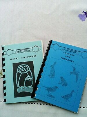Two Little Lacemaking Books, Animals Miniatures • 1.45£