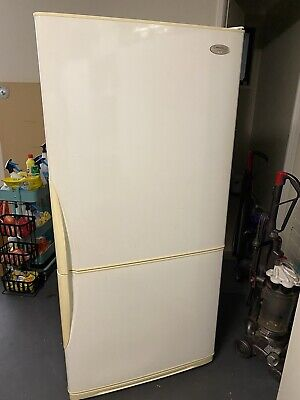 AU50 • Buy Westinghouse 500 Ltr Fridge Freezer