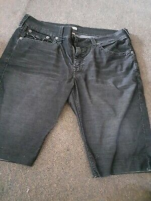 True Religion Men's Shorts Size 38 • 8£