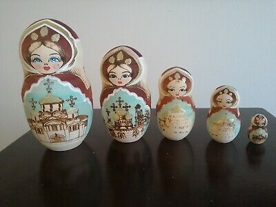 Russian Dolls Set Off 5, In Good Clean Condition  • 2£