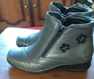 Pavers Womens Grey Ankle Boots  Small Wedge Heel Size 4 • 2.80£