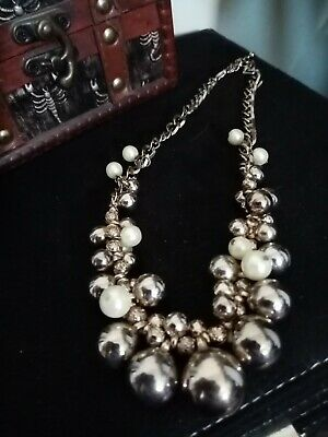 Stunning Short Cluster Beaded Faux Pearl Necklace In Silver • 12.50£