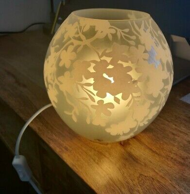 IKEA KNUBBIG - Glass Table Lamp, Cherry Blossoms, White -  H 18 Cm With Bulb  • 5£