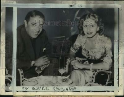 $ CDN17.56 • Buy 1954 Press Photo Greek Magnate Aristotle Onassis Poses With Wife Athina Livanos