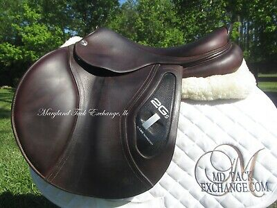 $ CDN4945.63 • Buy 17.5  CWD 2GS SE26 Close Contact Jumping Saddle-2C Flaps-MINT CONDITION + COVER