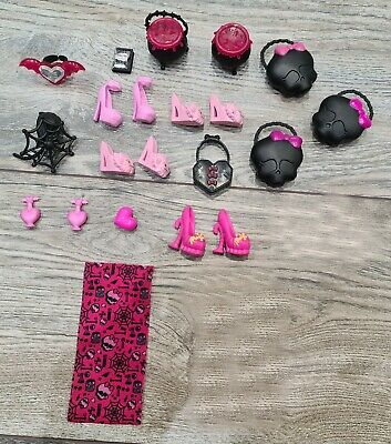 Monster High Select/choice Accessories For Doll Draculaura • 2.50£