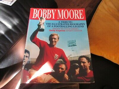£9.99 • Buy Bobby Moore A Tribute 1993 Paperback Football Book