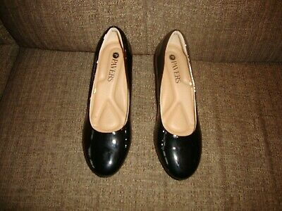 New Pavers Size 5  Ladies Black  Dress Shoes  Small Heel 2inch Heel Patent       • 12£