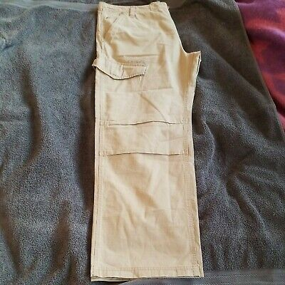 £7 • Buy  Qual Mens Trousers Size 40w
