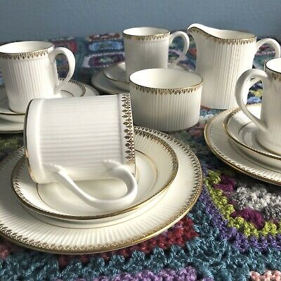 £60 • Buy CROWN STAFFORDSHIRE 4 Person Gold Tea Coffee Cup Saucer Plate Set Trio Grecian