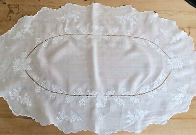 £9.99 • Buy  Vintage French Fine Linen Oval Tablecloth - Embroidered Butterflies Whitework