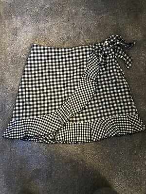 £3 • Buy Shein Black And White Checked Ladies Skirt Size M . Side Zip Fastening.