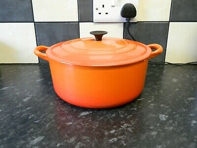 £10.50 • Buy Le Creuset Large Cast Iron  Casserole Dish And Lid In Orange Size E