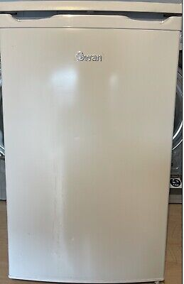 £105 • Buy SWAN UNDERCOUNTER FRIDGE MOD No SR70191, IN WORKING ORDER AND ONLY 1 WEEK OLD