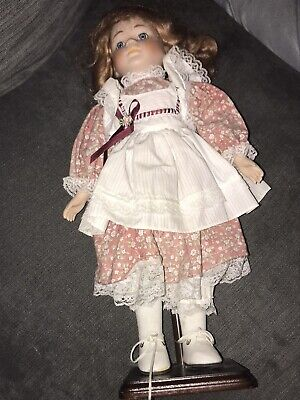 £0.99 • Buy  Quality Porcelain Doll On A Stand With Clothes