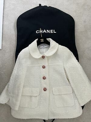 £1499 • Buy Chanel Cream Boucle Jacket 2017 Authentic With Hanger/bag