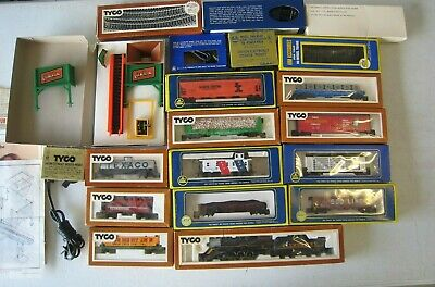 $ CDN24.97 • Buy Huge Lot Of Tyco AHM HO Scale Trains & Accessories #TR1