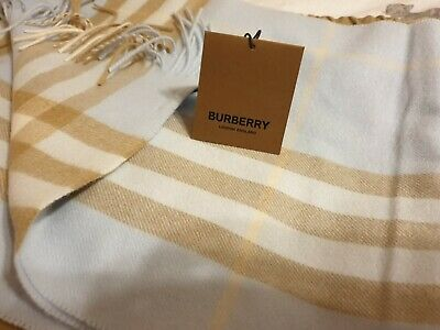 £150 • Buy Burberry Scarf Cashmere
