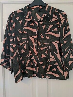 £1 • Buy Monki Pink Cropped Tropical Shirt Leaf Print Size Small