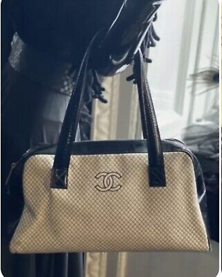£399 • Buy CHANEL Special Edition Quilted Bag White & Black. Authentic Only.