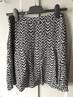 £15 • Buy Reiss Skirt Size 10 12 Summer Floaty Mini Lined And Pockets Black And White