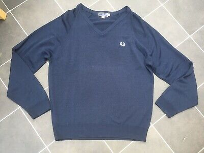 £35 • Buy Navy Blue Fred Perry Lambswool V Neck Jumper XL