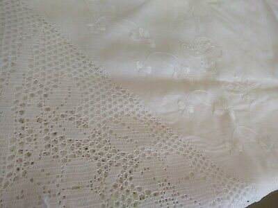 £18 • Buy Edwardian Vintage Irish Linen Hand Embroidered And Deep Crochet Lace Tablecloth