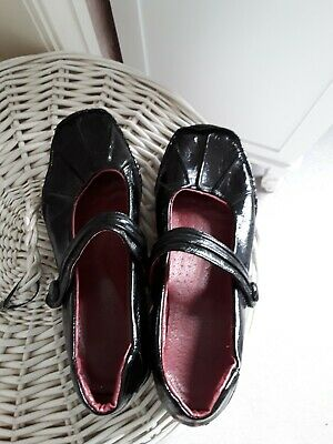 £1.20 • Buy Ladies Black Patent Leather Shoes Size 7