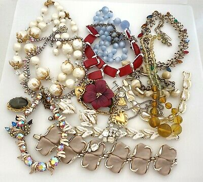$ CDN18.87 • Buy Vintage Jewelry Lot For Resell Plastic Rhinestone Necklaces, Brooches, Earrings