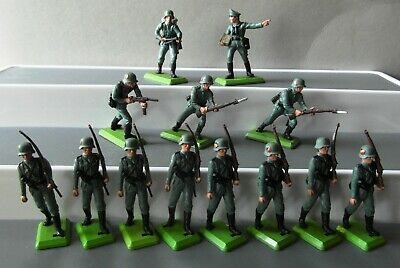 £9.99 • Buy Britains Deetail WW2 German Soldiers With Officer X 13