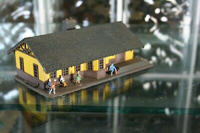$ CDN32.08 • Buy HO Scale Passenger Train Station Building With Figures Fully Assembled