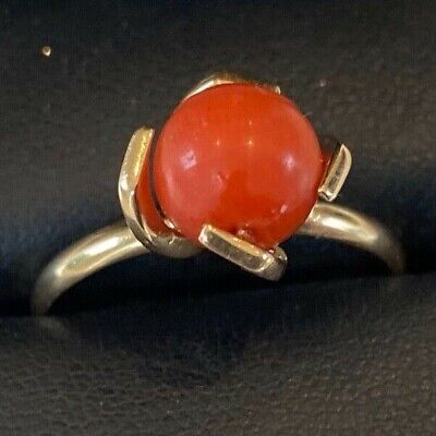 £190 • Buy OLD VINTAGE 18ct SOLID GOLD CORAL RING WITH MOVEING SOLID BALL OF CORAL