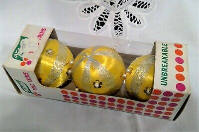 $ CDN9.99 • Buy Vintage Satin Wound Unbreakable Christmas Ornaments With Beads