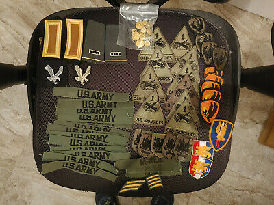 $15.50 • Buy  Lot Of US Military Army Patches And Buttons