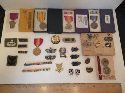 $20.50 • Buy Lot Of US Military Patches Pins Ribbons & Badges