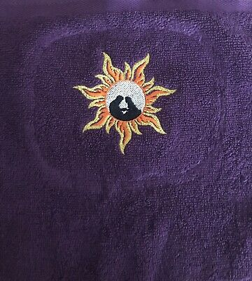 £5.99 • Buy Face Cloth With Embroidered Rapunzel And Flynn Ryder In Sun Emblem