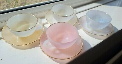 £24.99 • Buy SET 4x VINTAGE FRENCH ARCOPAL GLASS IRIDESCENT PASTEL HARLEQUIN CUPS SAUCERS 60s