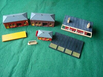 £5 • Buy Tri-ang Model Railway Station Buildings And Accessories Spare Repairs.
