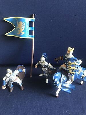 £5.90 • Buy Papo Blue Knight On Horse Plus Two Knights  Figures (sword Broken On Two) & Flag
