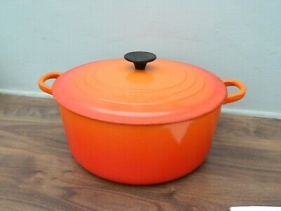£21 • Buy Le Creuset  Cast Iron  Casserole Dish And Lid In Orange  Size 28