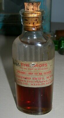 £0.99 • Buy Small Ribbed Chemist Bottle  Clifford Swift Mps Town End Pharmacy Wath On Dearne