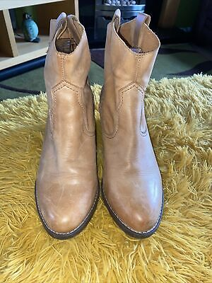 £25 • Buy Clarks Raw Leather Light Tan Ankle Boots Size 6