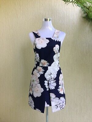 AU20 • Buy Finders Keepers Dress - Size Small - Beautiful