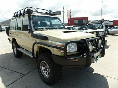 AU51900 • Buy 2012 Toyota Landcruiser VDJ76R Workmate (4x4) Beige 5sp Wagon