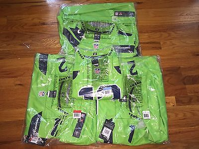 12th Man Fan Color Rush LIMITED Neon Green AUTHENTIC Seahawks Jersey M 9962b5fd3