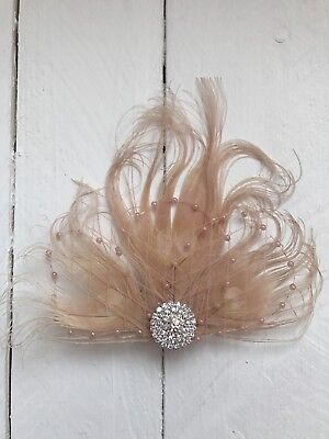 Nude Feather Fascinator Hair Clip With Diamante Wedding Races Hair Accessory • 19.79£