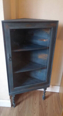 Chalk Painted - Annie Sloan - Lovely And Unique Display Cabinet • 110£