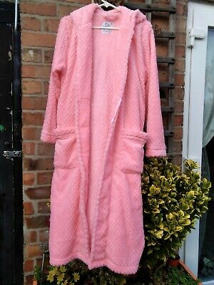 Dressing Gown With Hood  Pink, Ideal For Any Occasion. Size 6 /8  • 14.75£