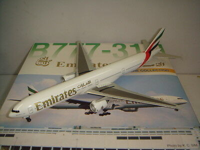$49.99 • Buy Dragon Wings 400 Emirates EK B777-300  2000s Color  1:400
