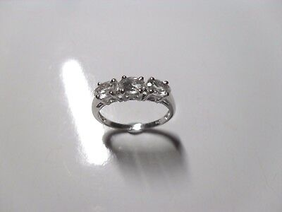 Ladies 925 Sterling Silver Ring Size P With 3 X Clear Sparklers Very Nice • 14.95£